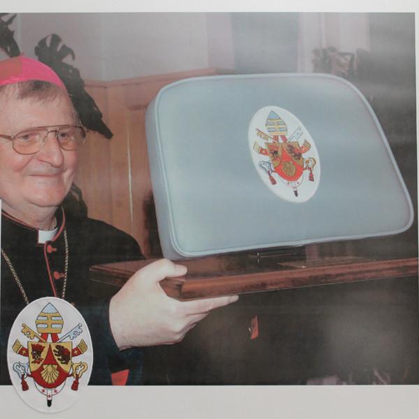 PapstSesselHP
